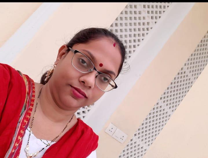 Dolly Nirav  Shroff